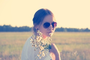sunglasses-love-woman-flowers