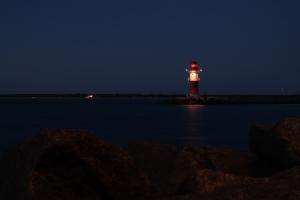 lighthouse-892692_1920