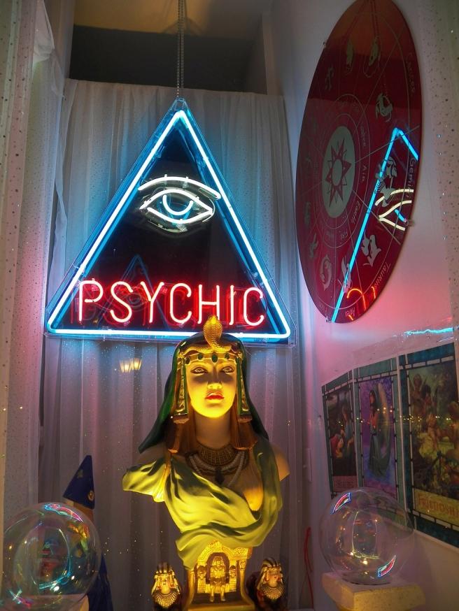 psychic-72085_1280