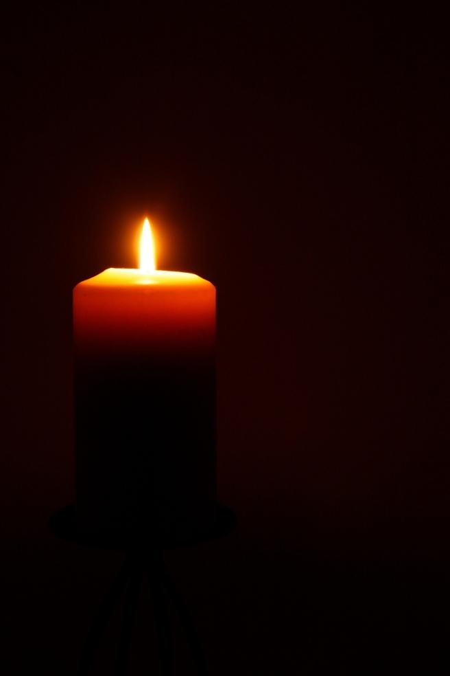 candle-1012936_1920
