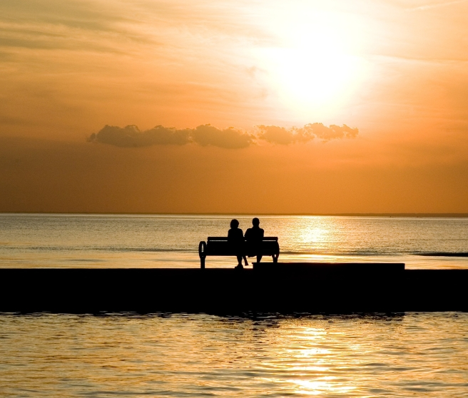 bench-1052066_1920