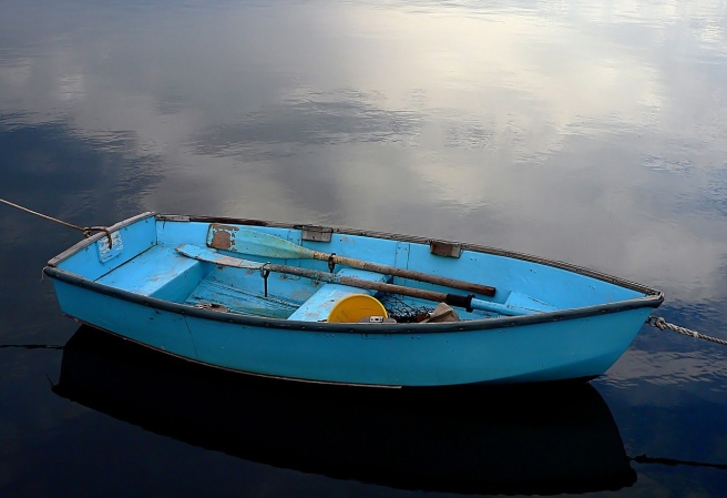 blue-rowboat-981168_1280