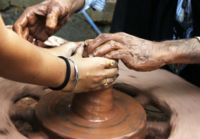 pottery-166797_1920