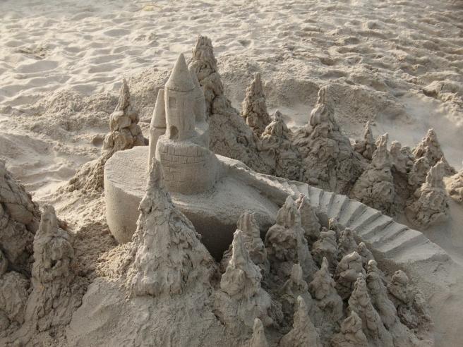 sandcastle-383054_1920