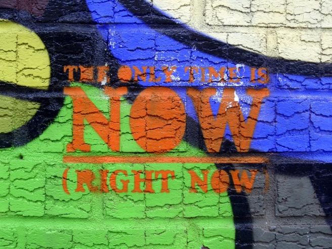 graffiti-300350_1920