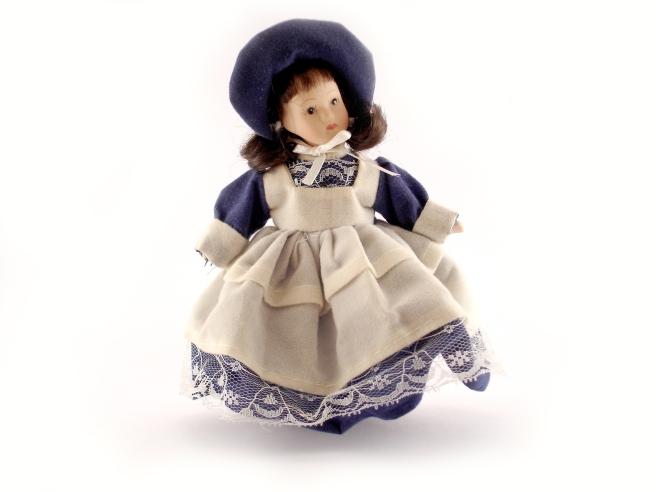doll-2006775_1920