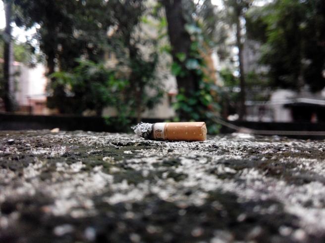 cigarette-1659048_1920