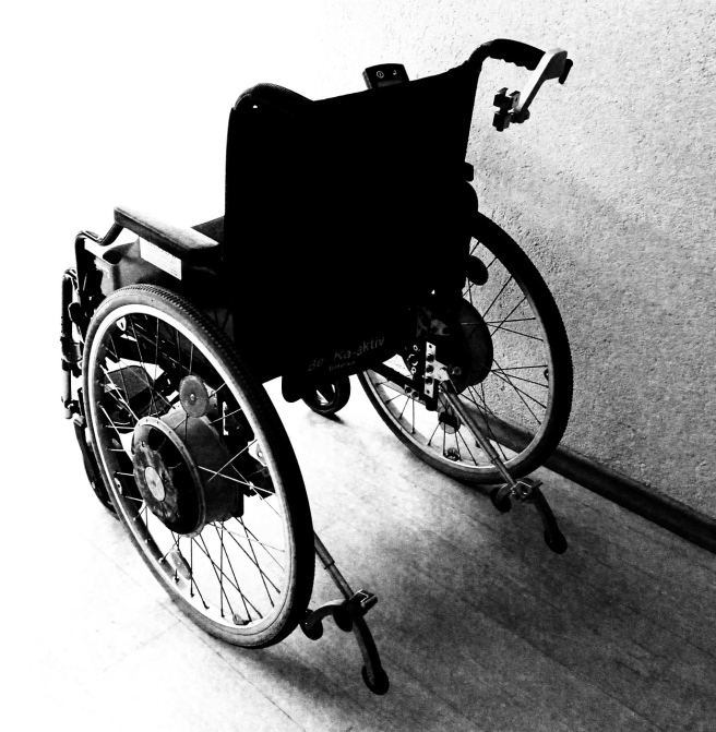 wheelchair-1589481_1280
