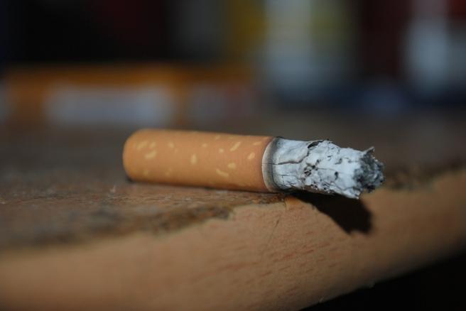 cigarette-560773_1280
