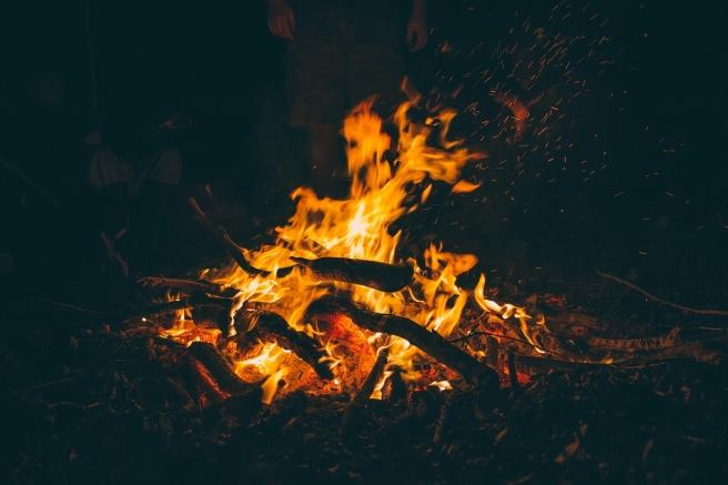 bonfire-1835829_1280