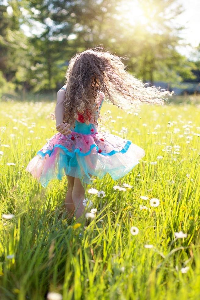 dance-2432911_1280