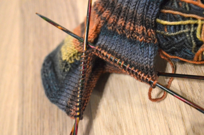 knit-2037458_1280