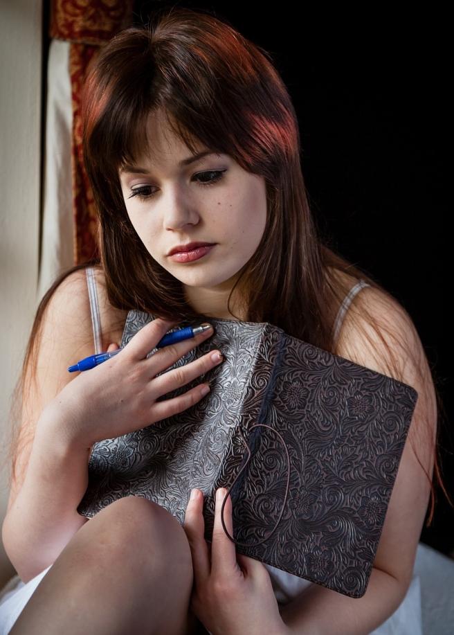 sad-woman-1055083_1280