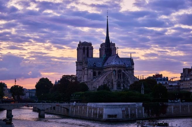 paris-2775465_1280