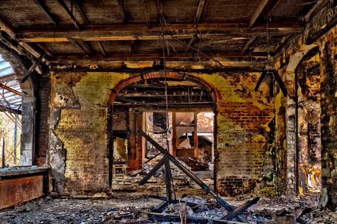 abandoned-3227498_1280