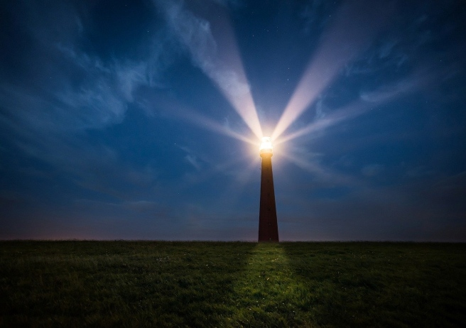 lighthouse-2611200_1280