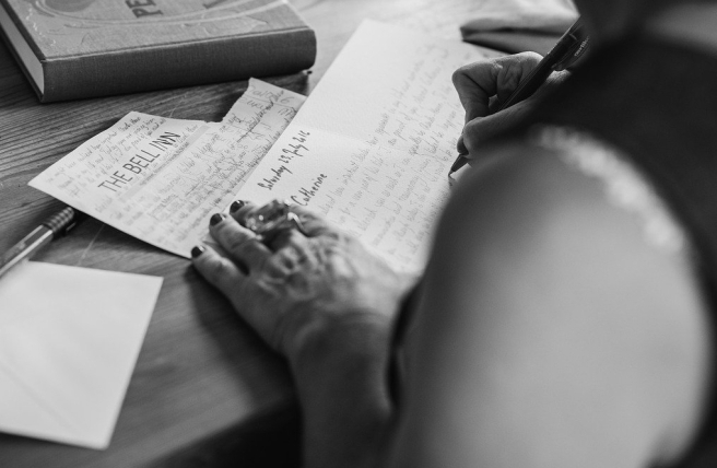 hands-writting-2110452_1280