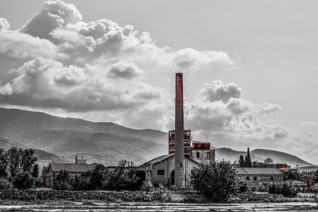 factory-2743167_1280
